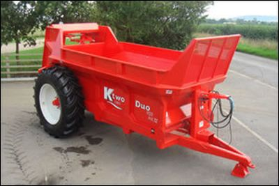 KTWO  MUCK SPREADERS & SILAGE TRAILERS