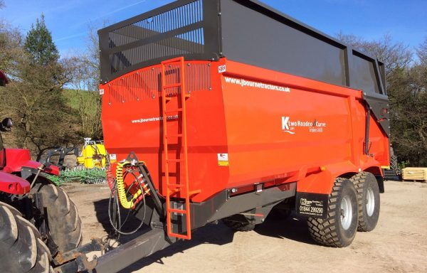KTWO RODEO CURVE SILAGE TRAILERS