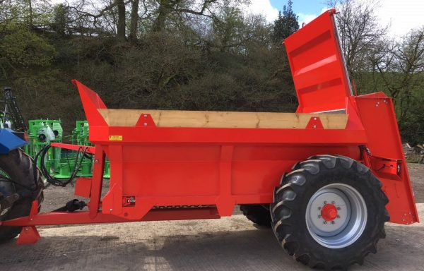 NEW 6 TONNE AGROSPREAD REAR DISCHARGE MUCK SPREADER