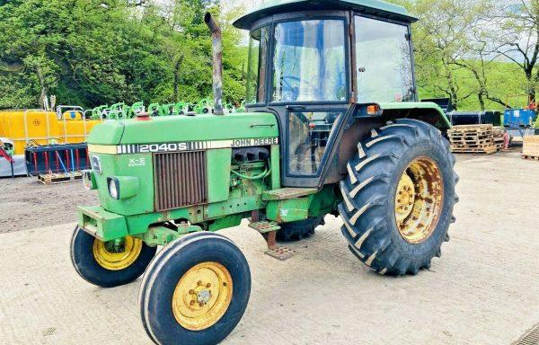 JOHN DEERE 2040S 2WD